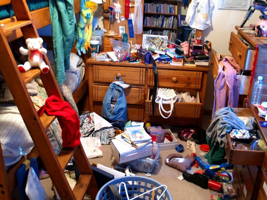 Messy Room - Engage us for a neater enviroment!